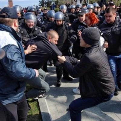 В Одесі сталися сутички між проукраїнськими активістами та «куликовцями» (фото, відео)