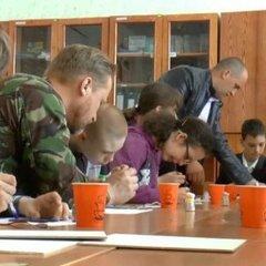 Арт-терапією бійці АТО віддячили за допомогу дітям із обмеженими можливостями (відео)