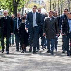 Віталій Кличко перевірив упорядкування кладовищ до поминальних днів