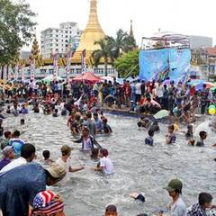 У М'янмі під час водного фестивалю загинули 285 людей