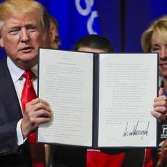 Трамп підписав указ, що ускладнює отримання робочих віз у США