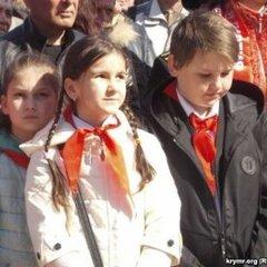 У Севастополі сьогодні приймали у комсомол та партію
