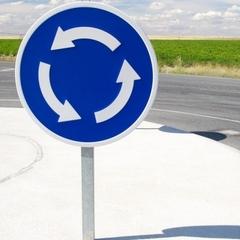 Порошенко підписав зміни правил руху автомобілів на перехрестях