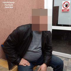 У Львові затримали педофіла, який платив 14-річному підлітку за інтим