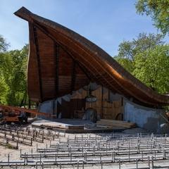 В Маріїнському парку  до початку «Євробачення» реконструюють естраду «Мушля»