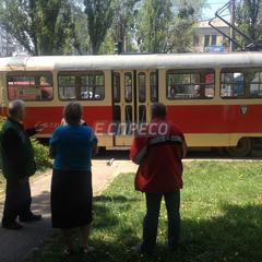 У Києві трамвай переїхав чоловіка (фото)