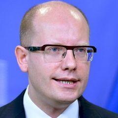 Прем'єр Чехії передумав подавати у відставку