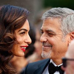 Дружина Джорджа Клуні подарувала чоловікові на день народження забавний торт (фото)