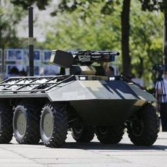 «Укроборонпром» представив новий безпілотний БТР «Фантом» на виставці у Туреччині