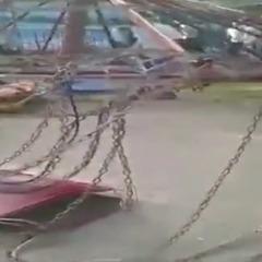 У парку Киргизії обрушилася карусель, є постраждалі (відео)