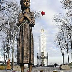 Восени в Україні з'явиться електронна база свідчень жертв Голодомору