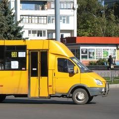 Зі словами «Я не буду возити їх на шару» водій львівської маршрутки зачинив двері перед носом бійця АТО