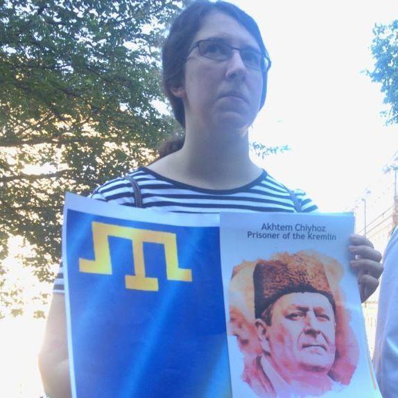 У Празі жителі вийшли на мітинг в підтримку захисту прав кримськотатарського народу
