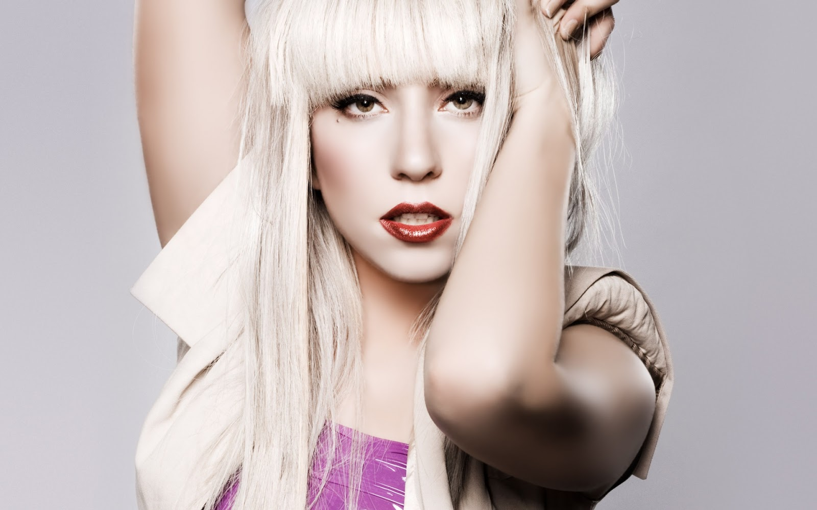 Невистачило грошей: Леді Гага мала виступати на Євробаченні-2017 замість Руслани