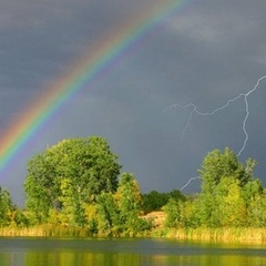 В Україні завтра збережеться тепла погода, місцями пройдуть дощі з грозами (відеопрогноз)
