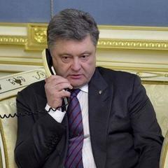 Порошенко провів телефонну розмову із президентом Франції