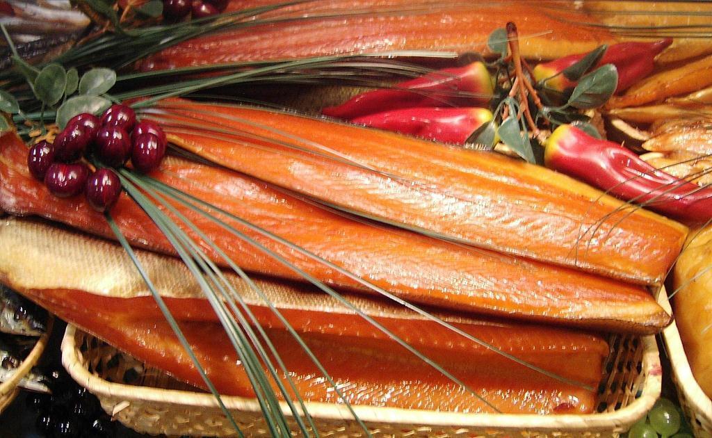 УКиєві заборонили продавати в'ялену рибу через отруєння