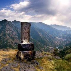 «Вірменські хачкари»: «Софія Київська» запрошує на виставку просто неба