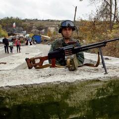 Бойовики обстріляли житлові будинки у Сухій Балці, загинув місцевий
