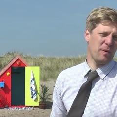 Британський винахідник побудував пляжний будиночок із підземними рівнями (відео)