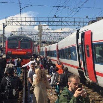 Аварія на залізниці у Росії: зіткнулися два поїзда