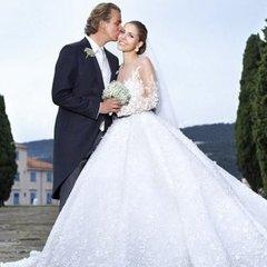 Спадкоємиця імперії Swarovski вийшла заміж у сукні вартістю 900 тисяч доларів (фото)