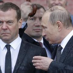 Путін і дощ: Фото мокрого російського керманича стало хітом дня (фото)