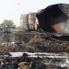 Згорів бензовоз у Пакистані: кількість жертв зросла до 153
