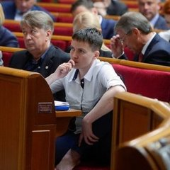 У Миколаєві Савченко закидали яйцями (відео)