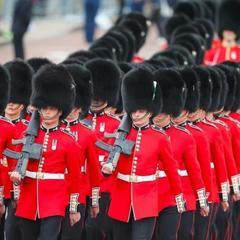 У Великобританії жінка вперше очолила Королівську гвардію (відео)