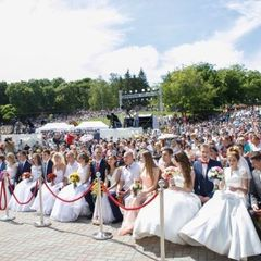 «Магічна» дата спровокувала весільний бум у Києві (фото, відео)