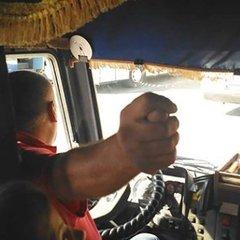 У Херсоні звільнили водія, який тицяв дулі учасникам АТО та обзивав їх (фото)