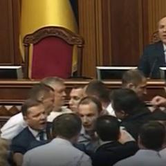 Єгор Соболєв пояснив, чому сталася сутичка між ним та Ляшком на трибуні ВР (відео)