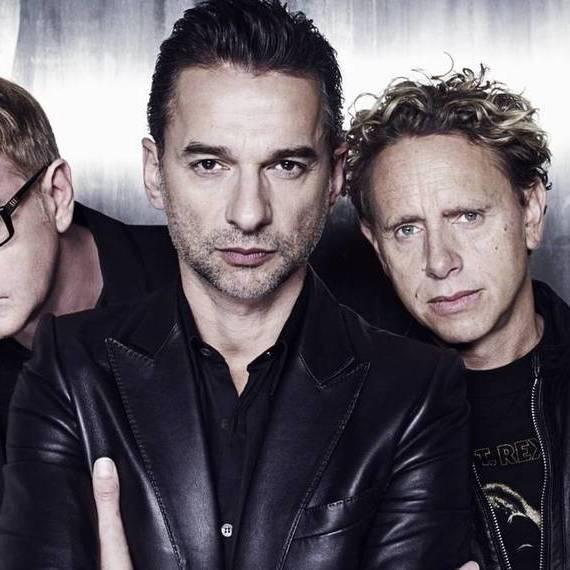 Лідера гурту Depeche Mode госпіталізували в Мінську