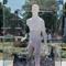 На ВДНГ з'явилась скульптура, що реагує на дотики