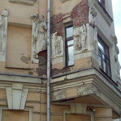 Від московського «Будинку з письменниками» відвалився Гоголь