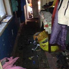 Страшні житлові умови. У Маріуполі у горе-матері забрали чотирьох дітей (фото)