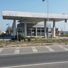 Російські терористи варварськи зруйнували мережу автозаправок Shell в окупованому Криму (фото)