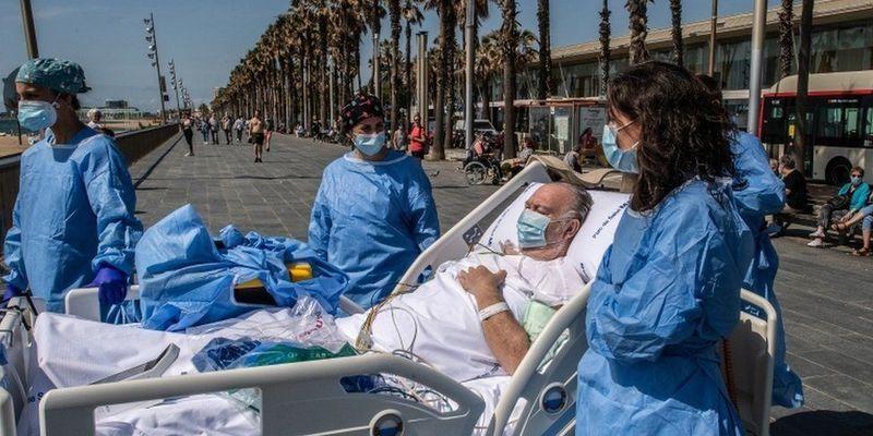 Побачити море, щоб видужати: в Іспанії хворих на Covid-19 возять на пляж