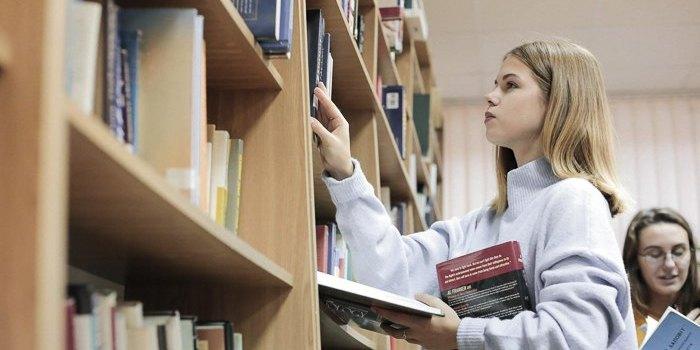 Українським бібліотекам передадуть 5 тисяч комп'ютерів