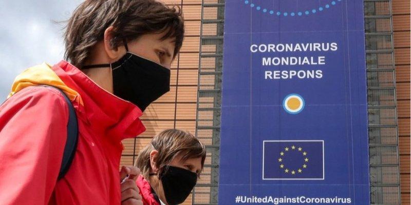 ВООЗ рекомендує носити тканинні маски в громадських місцях