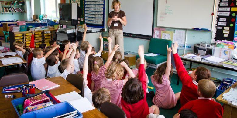 У французькому місті батьки через суд вимагають дозволити дітям ходити до школи