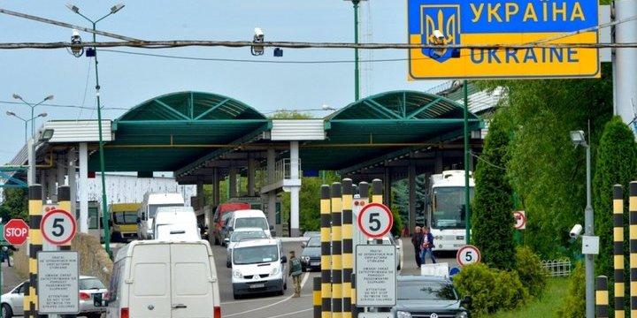 Через «Шегині» на кордоні з Польщею відновили рух автотранспорту