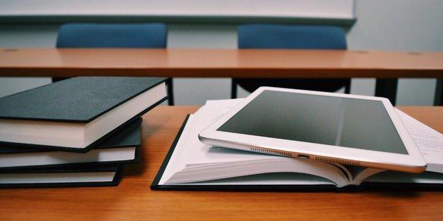 Зеленський пропонує звільнити випускників шкіл від підсумкової атестації