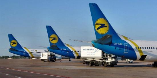 Польща відмовилася відновлювати авіасполучення з Україною: усі заплановані рейси скасували