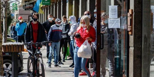 Інфекціоніст назвав причини зростання захворюваності COVID-19 в Україні