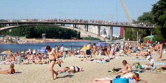Київським пляжам дозволили працювати