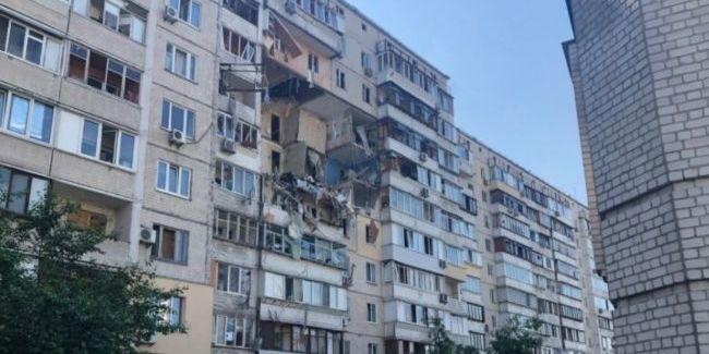 Мчать поліція і пожежники: в Києві прогримів потужний вибух, перші подробиці
