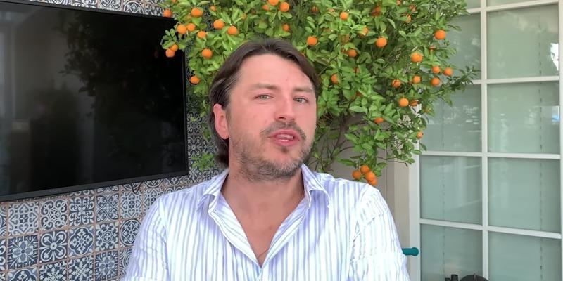 Відомий український телеведучий Сергій Притула у жорсткій формі розкритикував українців
