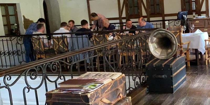 «Слуг народу» спіймали на нахабному порушенні карантину в Дніпрі: фото